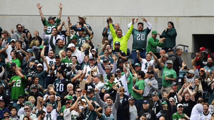 PHILADELPHIA, PA - OCTOBER 06: Philadelphia Eagles fans cheer a final touchdown against the New York Jets during the fourth quarter at Lincoln Financial Field on October 6, 2019 in Philadelphia, Pennsylvania. The Eagles defeated the Jets 31-6. (Photo by Corey Perrine/Getty Images)
