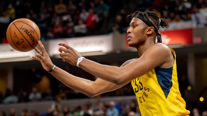 INDIANAPOLIS, IN - DECEMBER 16: Myles Turner #33 of the Indiana Pacers passes the ball during a game against the New York Knicks at Bankers Life Fieldhouse on December 16, 2018 in Indianapolis, Indiana. (Photo by Brian Munoz/Getty Images)