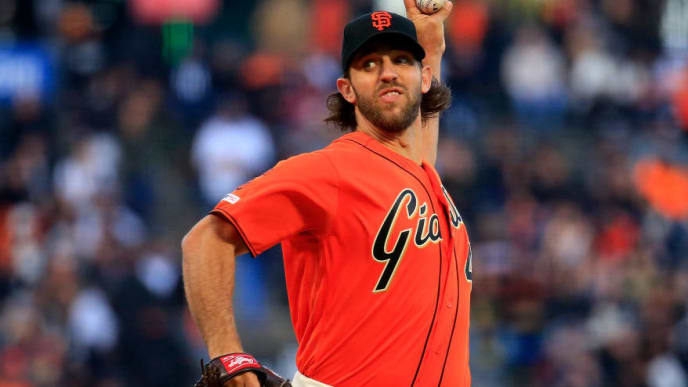 SAN FRANCISCO, CALIFORNIA - APRIL 26: Madison Bumgarner #40 of the San Francisco Giants pitches during the first inning against the New York Yankees at Oracle Park on April 26, 2019 in San Francisco, California.  (Photo by Daniel Shirey/Getty Images)