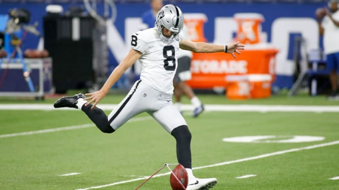 INDIANAPOLIS, INDIANA - SEPTEMBER 29: Daniel Carlson #8 of the Oakland Raiders warms up before the game against the Indianapolis Colts at Lucas Oil Stadium on September 29, 2019 in Indianapolis, Indiana. (Photo by Justin Casterline/Getty Images)