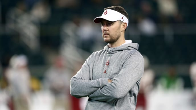 WACO, TEXAS - NOVEMBER 16:  Head coach Lincoln Riley of the Oklahoma Sooners before a game against the Baylor Bears at McLane Stadium on November 16, 2019 in Waco, Texas. (Photo by Ronald Martinez/Getty Images)