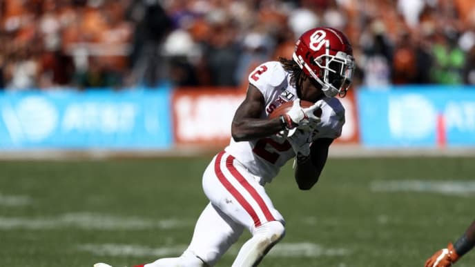 DALLAS, TEXAS - OCTOBER 12:  CeeDee Lamb #2 of the Oklahoma Sooners during the 2019 AT&T Red River Showdown at Cotton Bowl on October 12, 2019 in Dallas, Texas. (Photo by Ronald Martinez/Getty Images)