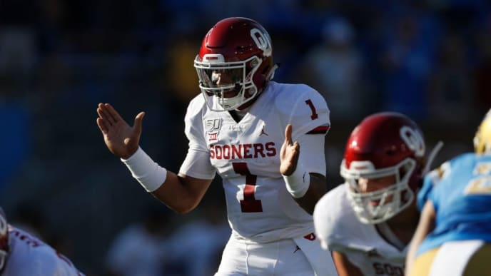 LOS ANGELES, CALIFORNIA - SEPTEMBER 14:  Jalen Hurts #1 of the Oklahoma Sooners calls a play during the first half of a game against the UCLA Bruins on at the Rose Bowl on September 14, 2019 in Los Angeles, California. (Photo by Sean M. Haffey/Getty Images)