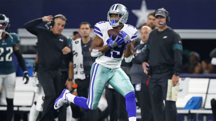ARLINGTON, TEXAS - OCTOBER 20: Amari Cooper #19 of the Dallas Cowboys in the game at AT&T Stadium on October 20, 2019 in Arlington, Texas. (Photo by Tom Pennington/Getty Images)
