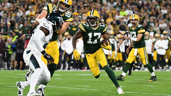 GREEN BAY, WISCONSIN - SEPTEMBER 26:  Davante Adams #17 of the Green Bay Packers runs for yards during a game against the Philadelphia Eagles at Lambeau Field on September 26, 2019 in Green Bay, Wisconsin.  The Eagles defeated the Packers 34-27.   (Photo by Stacy Revere/Getty Images)