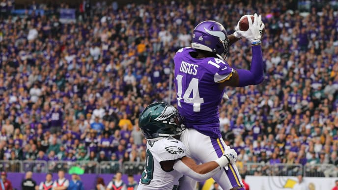 MINNEAPOLIS, MN - OCTOBER 13: Stefon Diggs #14 of the Minnesota Vikings pulls in a touchdown while Craig James #39 of the Philadelphia Eagles applies pressure in the third quarter at U.S. Bank Stadium on October 13, 2019 in Minneapolis, Minnesota. (Photo by Adam Bettcher/Getty Images)