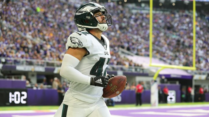 MINNEAPOLIS, MN - OCTOBER 13: Andrew Sendejo #42 of the Philadelphia Eagles celebrates an interception in the second quarter against the Minnesota Vikings at U.S. Bank Stadium on October 13, 2019 in Minneapolis, Minnesota. (Photo by Adam Bettcher/Getty Images)