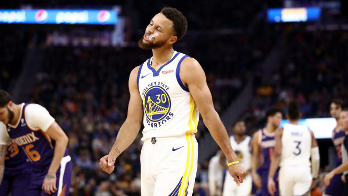 SAN FRANCISCO, CALIFORNIA - OCTOBER 30:  Stephen Curry #30 of the Golden State Warriors reacts during the first half of their game against the Phoenix Suns at Chase Center on October 30, 2019 in San Francisco, California.  NOTE TO USER: User expressly acknowledges and agrees that, by downloading and or using this photograph, User is consenting to the terms and conditions of the Getty Images License Agreement. (Photo by Ezra Shaw/Getty Images)