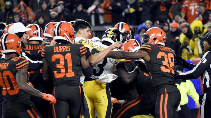 Full List Of 33 Players Fined For Browns Steelers Tnf Brawl