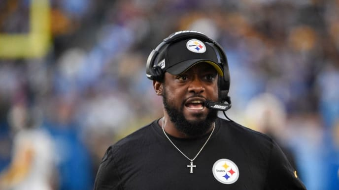 CARSON, CA - OCTOBER 13: Pittsburgh Steelers head coach Mike Tomlin looks on from the sidelines during a game against the Los Angeles Chargers at Dignity Health Sports Park October 13, 2019 in Carson, California.  (Photo by Denis Poroy/Getty Images)
