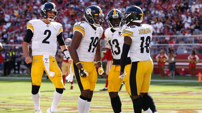 SANTA CLARA, CALIFORNIA - SEPTEMBER 22: Diontae Johnson #18 of the Pittsburgh Steelers celebrates with James Washington #13, JuJu Smith-Schuster #19 and Mason Rudolph #2 after scoring a touchdown in the fourth quarter against the San Francisco 49ers at Levi's Stadium on September 22, 2019 in Santa Clara, California. (Photo by Lachlan Cunningham/Getty Images)