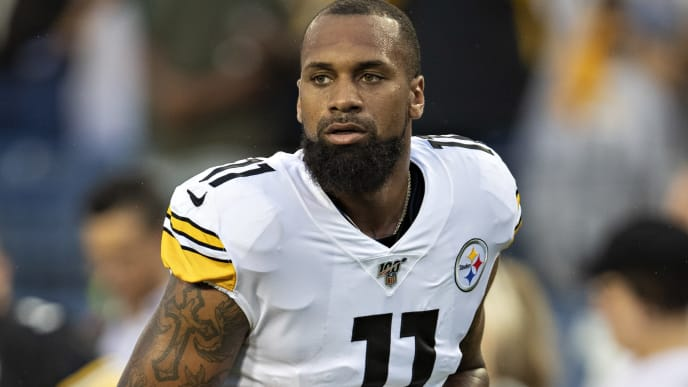 NASHVILLE, TN - AUGUST 25:  Donte Moncrief #11 of the Pittsburgh Steelers warms up before a game against the Tennessee Titans in week three of preseason at Nissan Stadium on August 25, 2019 in Nashville, Tennessee. The Steelers defeated the Titans 18-6. (Photo by Wesley Hitt/Getty Images)