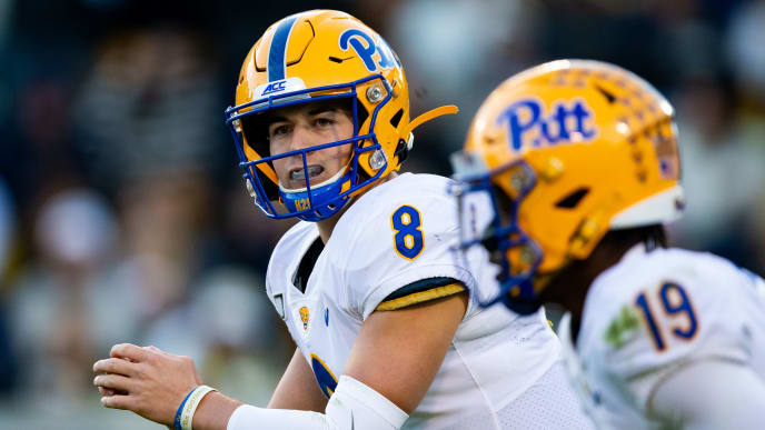 ATLANTA, GA - NOVEMBER 02: Kenny Pickett #8 of the Pittsburgh Panthers in action during a game against the Georgia Tech Yellow Jackets at Bobby Dodd Stadium on November 2, 2019 in Atlanta, Georgia. (Photo by Carmen Mandato/Getty Images)