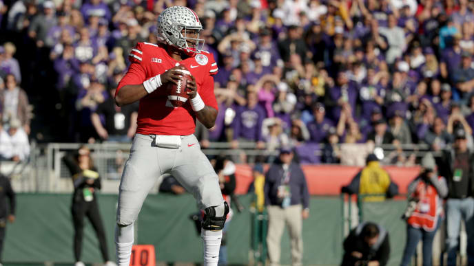 PASADENA, CA - JANUARY 01:  Dwayne Haskins #7 of the Ohio State Buckeyes throws the ball in the first half against the Washington Huskies in the Rose Bowl Game presented by Northwestern Mutual at the Rose Bowl on January 1, 2019 in Pasadena, California.  (Photo by Jeff Gross/Getty Images)