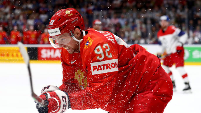 BRATISLAVA, SLOVAKIA - MAY 26: Yevgeni Kuznetsov #92 of Russia skates against Czech Republic during the 2019 IIHF Ice Hockey World Championship Slovakia third place play-off game between Russia and Czech Republic at Ondrej Nepela Arena on May 26, 2019 in Bratislava, Slovakia. (Photo by Martin Rose/Getty Images)