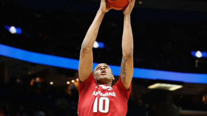 ST LOUIS, MO - MARCH 10:  Daniel Gafford #10 of the Arkansas Razorbacks grabs a rebound against the Tennessee Volunteers during the semifinals of the 2018 SEC Basketball Tournament at Scottrade Center on March 10, 2018 in St Louis, Missouri.  (Photo by Andy Lyons/Getty Images)