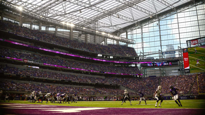 MINNEAPOLIS, MN - AUGUST 28: The Minnesota Vikings offense runs a play against the San Diego Chargers defense during the fourth quarter of the game on August 28, 2016 at US Bank Stadium in Minneapolis, Minnesota. The Vikings defeated the Chargers 23-10. (Photo by Hannah Foslien/Getty Images)