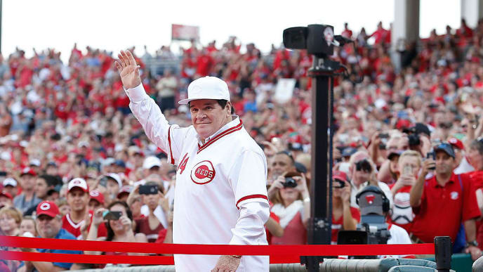 CINCINNATI, OH - JUNE 24:  Cincinnati Reds great Pete Rose is introduced to the crowd as the 1976 World Series Championship team was honored prior to the start of the game between the Cincinnati Reds and the San Diego Padres at Great American Ball Park on June 24, 2016 in Cincinnati, Ohio. (Photo by Kirk Irwin/Getty Images)