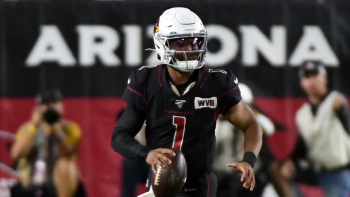GLENDALE, ARIZONA - OCTOBER 31: Kyler Murray #1 of the Arizona Cardinals looks to throw the ball while rolling out against the San Francisco 49ers at State Farm Stadium on October 31, 2019 in Glendale, Arizona. (Photo by Norm Hall/Getty Images)