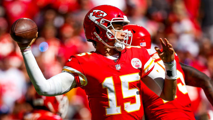 KANSAS CITY, MO - SEPTEMBER 23: Patrick Mahomes #15 of the Kansas City Chiefs throws a pass during the third quarter of the game against the San Francisco 49ers at Arrowhead Stadium on September 23rd, 2018 in Kansas City, Missouri. (Photo by David Eulitt/Getty Images)