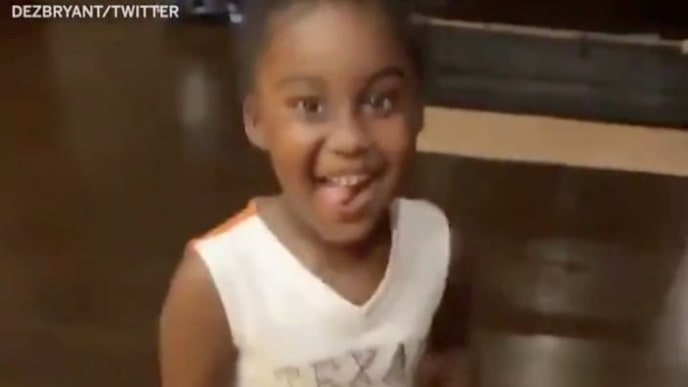 Video Dez Bryant Tells His Daughter She Can T Wear Texas