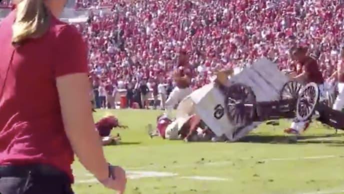 Video Oklahoma Sooner Schooner Wagon Flips Over In Wild