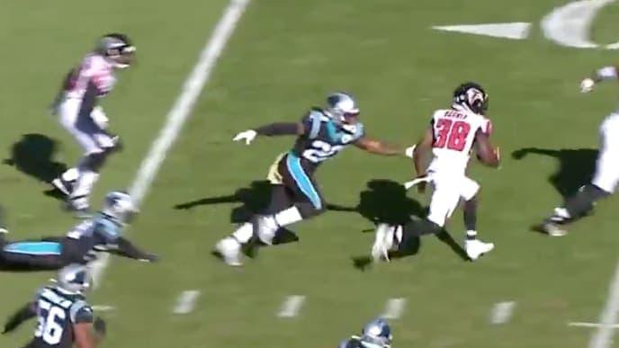 Kenjon Barner consigue un touchdown de 78 yardas ante Atlanta Falcons.