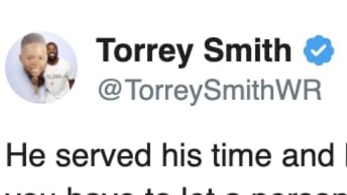 Torrey Smith defends ex-Eagles QB Michael Vick
