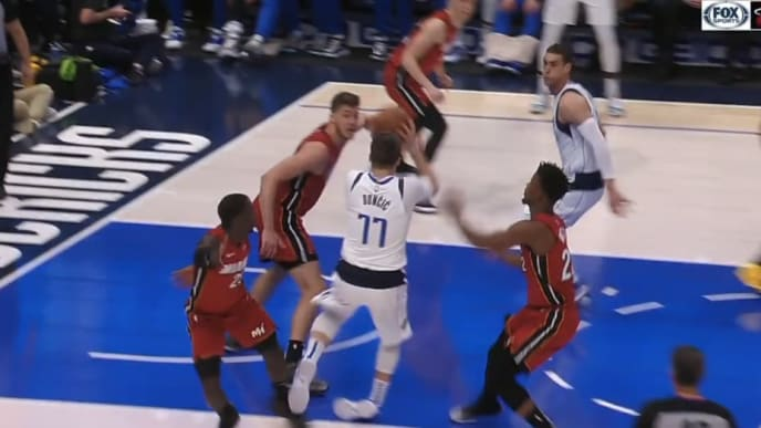 The play where Luka Doncic injured his ankle