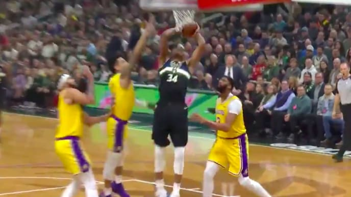 Video Giannis Antetokounmpo Drills 3 And Jams Over Anthony