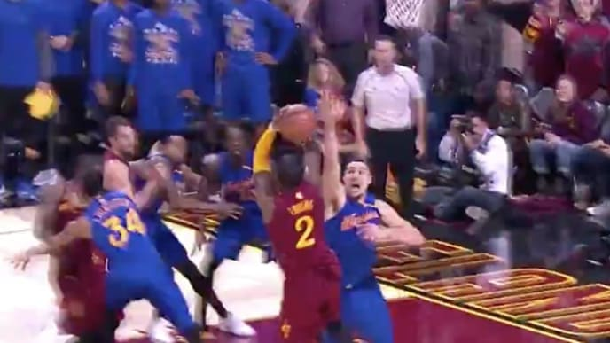 Kyrie Irving drills shot over Klay Thompson on Christmas in 2016