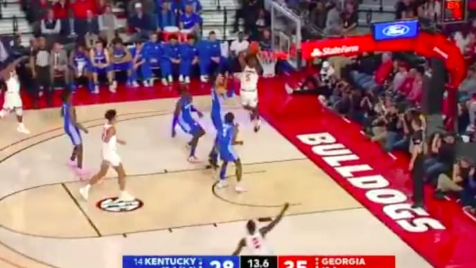 Georgia freshman Anthony Edwards throws down two-handed dunk against Kentucky on Tuesday.