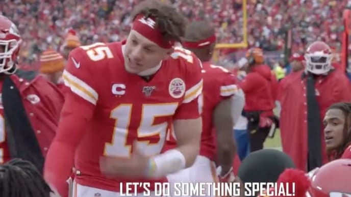 Chiefs QB Patrick Mahomes pumps teams up before comeback vs Texans