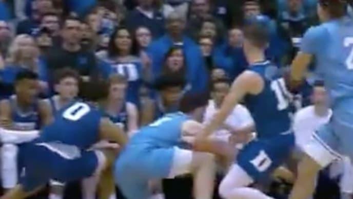 North Carolina clearly fouled in closing seconds vs Duke