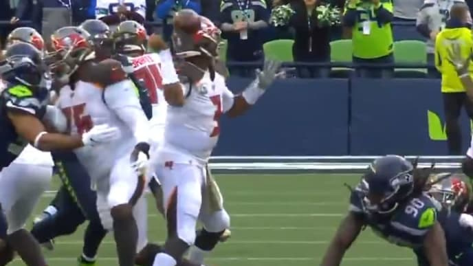 Jameis Wintson's fumble against Seahawks is eerily similar to his one against Oregon in college.