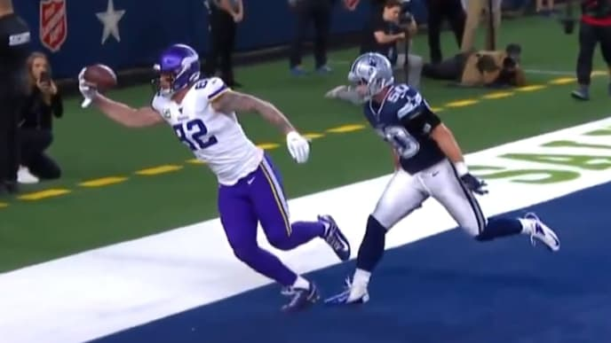 Vikings tight end Kyle Rudolph records a ridiculous one-handed touchdown catch against the Cowboys.