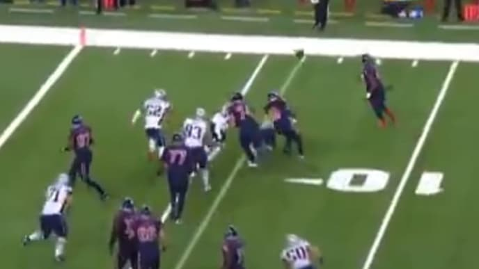 Texans utilize trickery to score a touchdown against the Patriots on Sunday.
