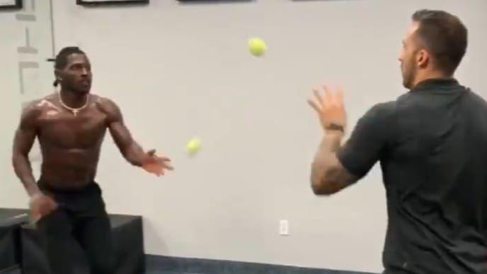 Antonio Brown shows off his insane hand and foot speed with his latest workout video.