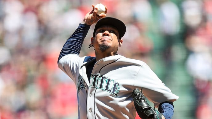 BOSTON, MA - MAY 11:   Felix Hernandez #34 of the Seattle Mariners pitches in the first inning of a game against the Boston Red Sox at Fenway Park on May 11, 2019 in Boston, Massachusetts.  (Photo by Adam Glanzman/Getty Images)