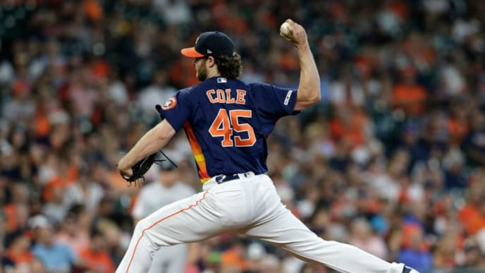 HOUSTON, TX - SEPTEMBER 08:  Gerrit Cole #45 of the Houston Astros pitches in the fourth inning against the Seattle Mariners at Minute Maid Park on September 8, 2019 in Houston, Texas.  (Photo by Tim Warner/Getty Images)