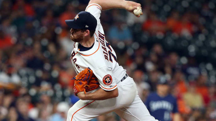 HOUSTON, TEXAS - SEPTEMBER 05: Joe Biagini #29 of the Houston Astros pitches against the Seattle Mariners at Minute Maid Park on September 05, 2019 in Houston, Texas. (Photo by Bob Levey/Getty Images)