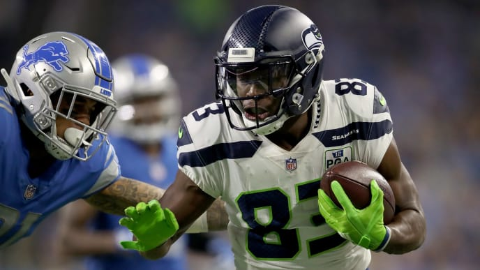 DETROIT, MI - OCTOBER 28: David Moore #83 of the Seattle Seahawks runs for yardage against the Detroit Lions during the second half at Ford Field on October 28, 2018 in Detroit, Michigan. (Photo by Gregory Shamus/Getty Images)