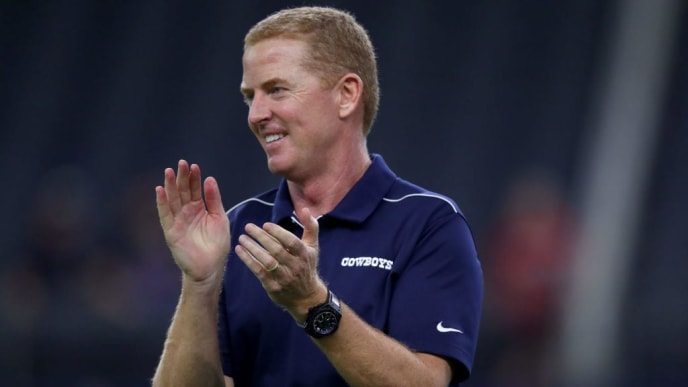 ARLINGTON, TEXAS - AUGUST 29: Head coach Jason Garrett of the Dallas Cowboys interacts with his team before the Dallas Cowboys take on the Tampa Bay Buccaneers in a NFL preseason game at AT&T Stadium on August 29, 2019 in Arlington, Texas. (Photo by Tom Pennington/Getty Images)