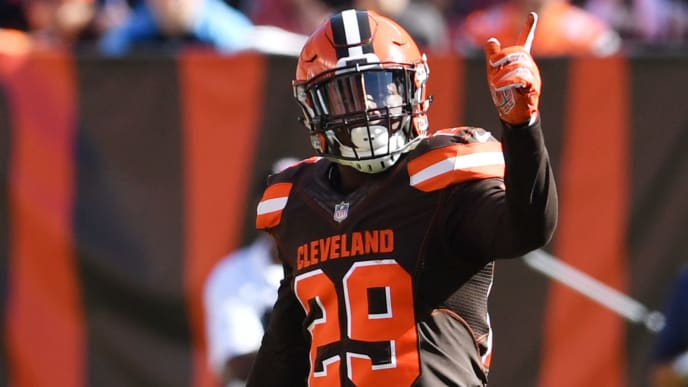 CLEVELAND, OH - OCTOBER 22: Duke Johnson #29 of the Cleveland Browns celebrates after running for a first down in the first quarter against the Tennessee Titans at FirstEnergy Stadium on October 22, 2017 in Cleveland, Ohio. (Photo by Jason Miller/Getty Images)