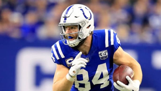 INDIANAPOLIS, INDIANA - NOVEMBER 18: Jack Doyle #84 of the Indianapolis Colts runs the ball in the game against the Tennessee Titans in the second quarter at Lucas Oil Stadium on November 18, 2018 in Indianapolis, Indiana. (Photo by Andy Lyons/Getty Images)