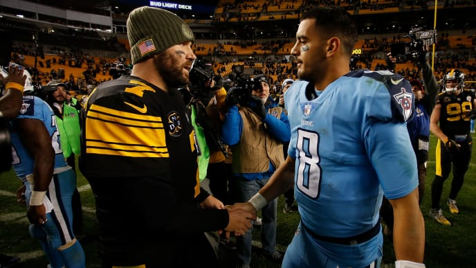 PITTSBURGH, PA - NOVEMBER 16: Ben Roethlisberger #7 of the Pittsburgh Steelers talks with Marcus Mariota #8 of the Tennessee Titans at the conclusion of the Pittsburgh Steelers 40-17 win over the Tennessee Titans at Heinz Field on November 16, 2017 in Pittsburgh, Pennsylvania. (Photo by Justin K. Aller/Getty Images)