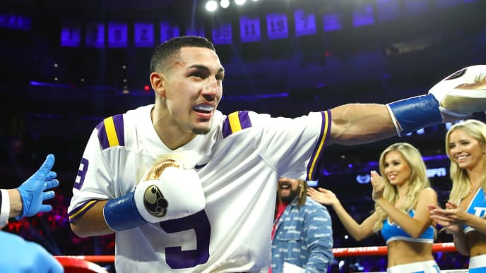 Teofimo Lopez knocked out Richard Commey Saturday to win the IBF lightweight championship.
