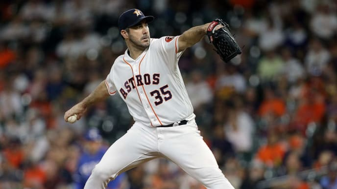 HOUSTON, TEXAS - SEPTEMBER 17: Justin Verlander #35 of the Houston Astros pitches in the first inning against the Texas Rangers at Minute Maid Park on September 17, 2019 in Houston, Texas. (Photo by Bob Levey/Getty Images)