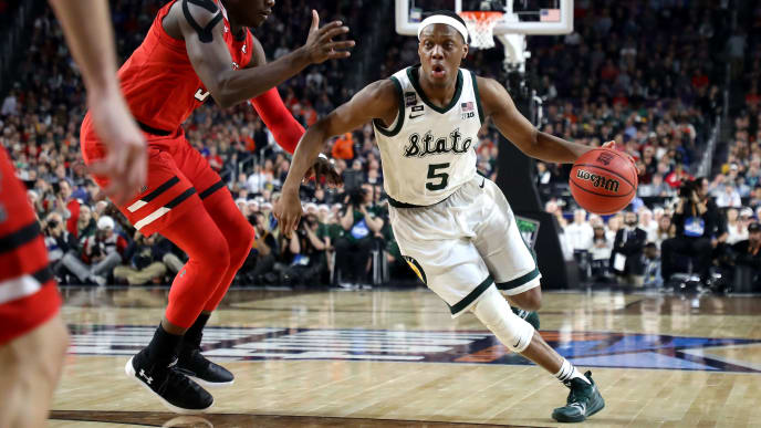 MINNEAPOLIS, MINNESOTA - APRIL 06: Cassius Winston #5 of the Michigan State Spartans drives to the basket during the first half against the Texas Tech Red Raiders during the 2019 NCAA Final Four semifinal at U.S. Bank Stadium on April 6, 2019 in Minneapolis, Minnesota. (Photo by Streeter Lecka/Getty Images)