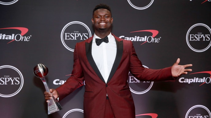 LOS ANGELES, CALIFORNIA - JULY 10: Zion Williamson poses with his ESPY for Best College Athlete at The 2019 ESPYs at Microsoft Theater on July 10, 2019 in Los Angeles, California. (Photo by Rich Fury/Getty Images)
